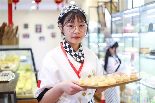 【新生访谈】许瑞婷:拒绝温室!15岁小姐姐的独立人生